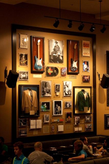 http://travel.frankazoid.com/http://reports.frankazoid.com/2009_chicago/IMG_7390.jpg
