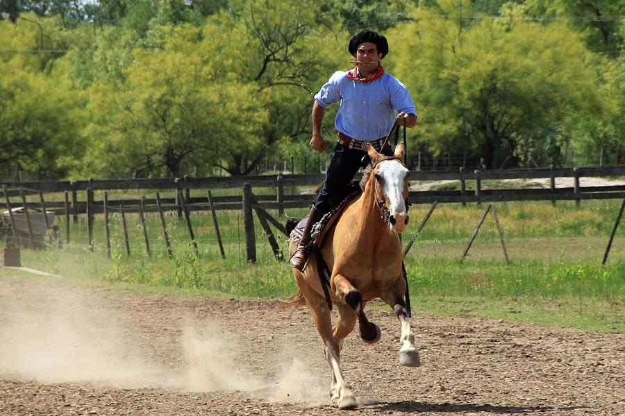 http://reports.frankazoid.com/201012_gaucho/IMG_8758.jpg