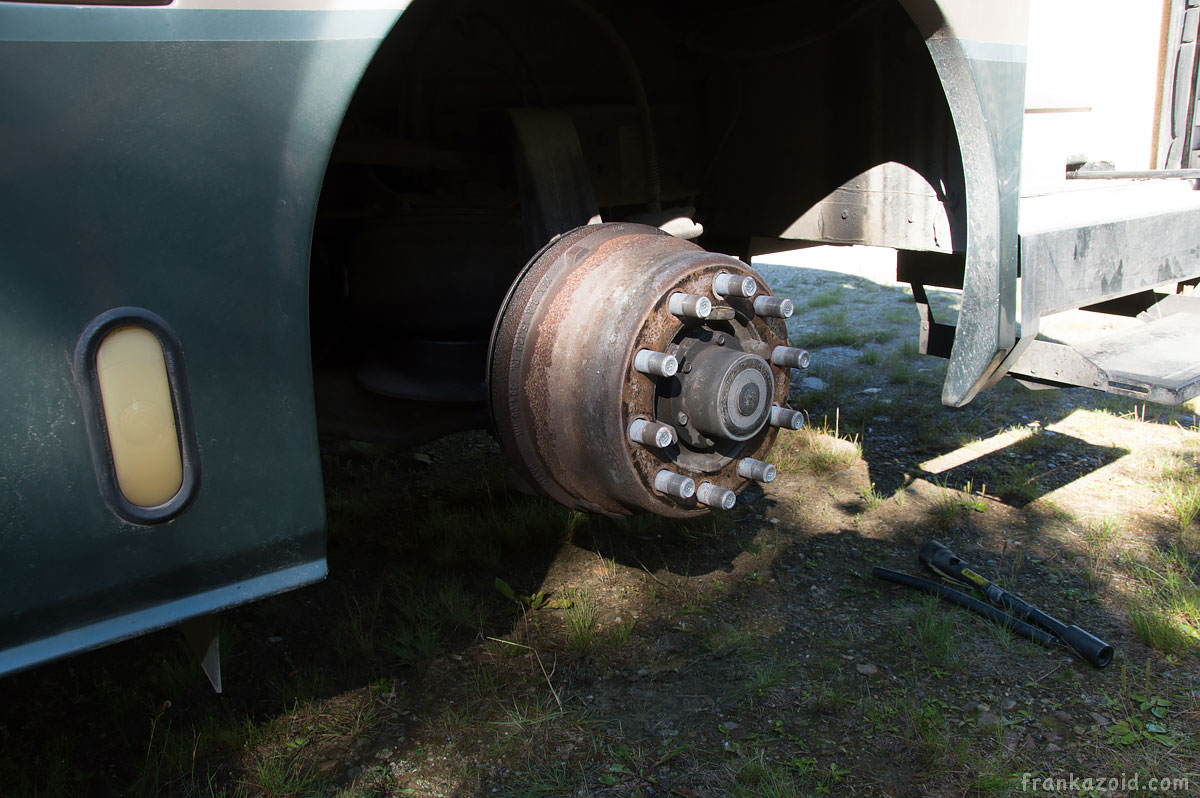 Motorhome DIY brake drum removal