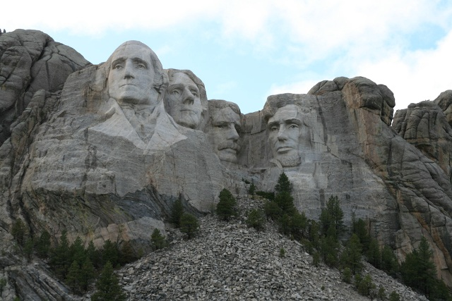 http://travel.frankazoid.com/https://reports.frankazoid.com/2009_rushmore/IMG_6658.jpg