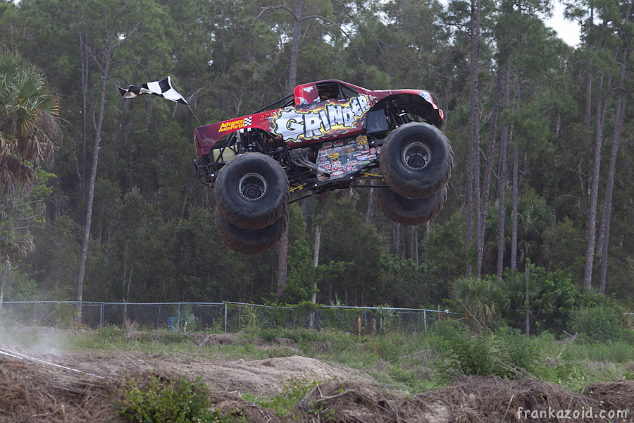 https://reports.frankazoid.com/201104_monsterjam/_MG_3272.jpg