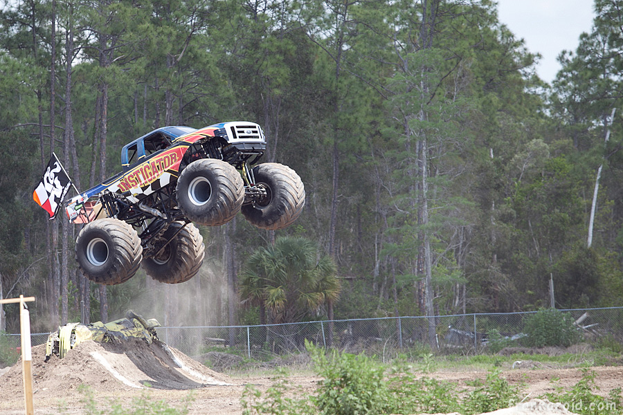 https://reports.frankazoid.com/201104_monsterjam/_MG_3314.jpg