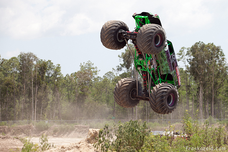https://reports.frankazoid.com/201104_monsterjam/_MG_3403.jpg