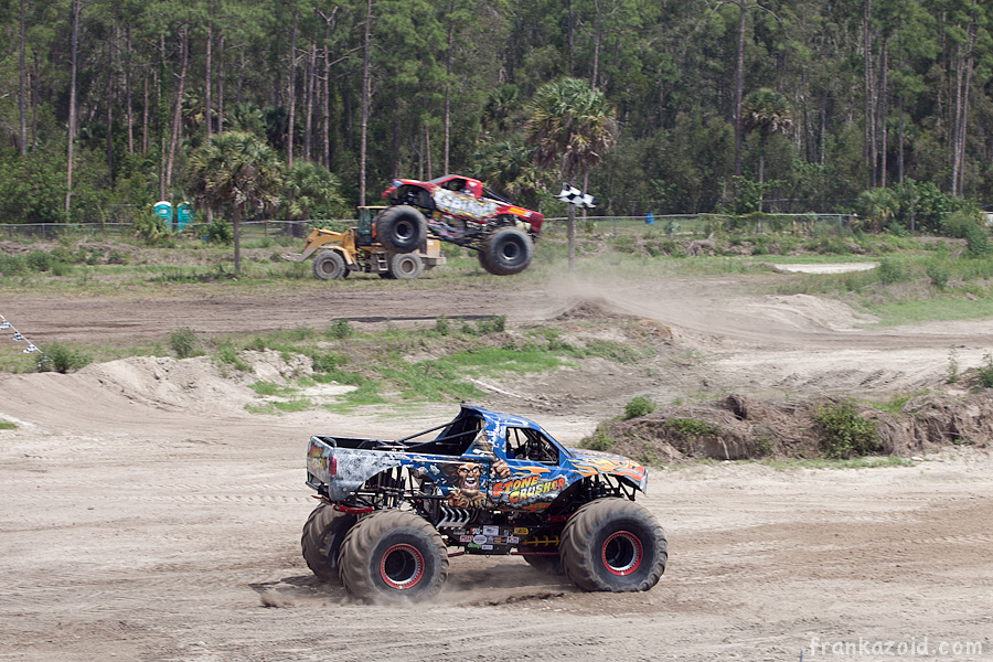 https://reports.frankazoid.com/201104_monsterjam/_MG_3567.jpg