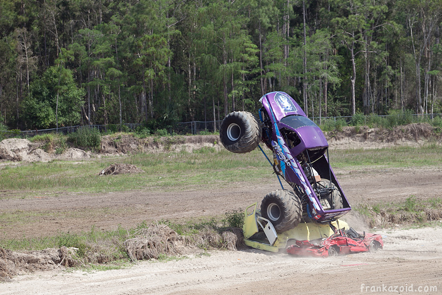 https://reports.frankazoid.com/201104_monsterjam/_MG_3752.jpg