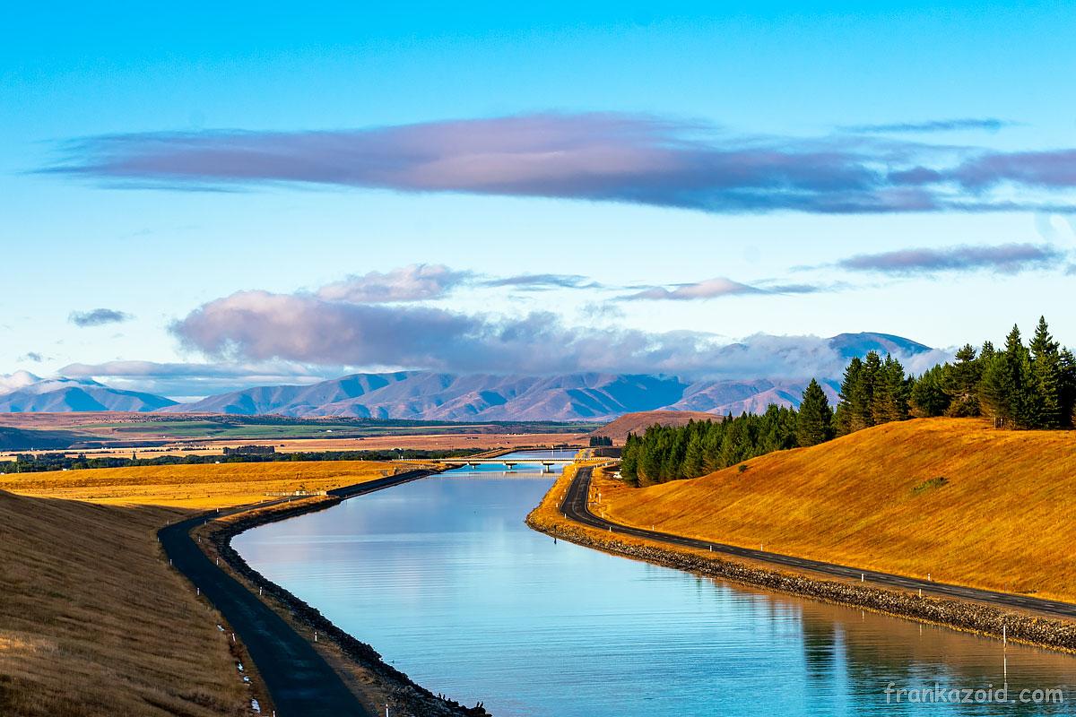 Канал Пукаки в солнечную погоду