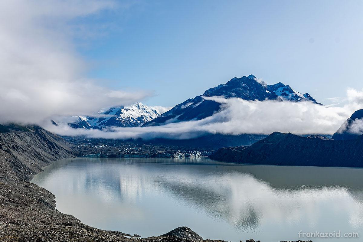 Ледник Тасман и его же озеро
